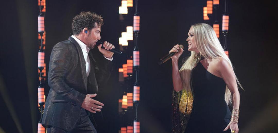 Los Latin AMAS coronan a Bad Bunny y Karol G